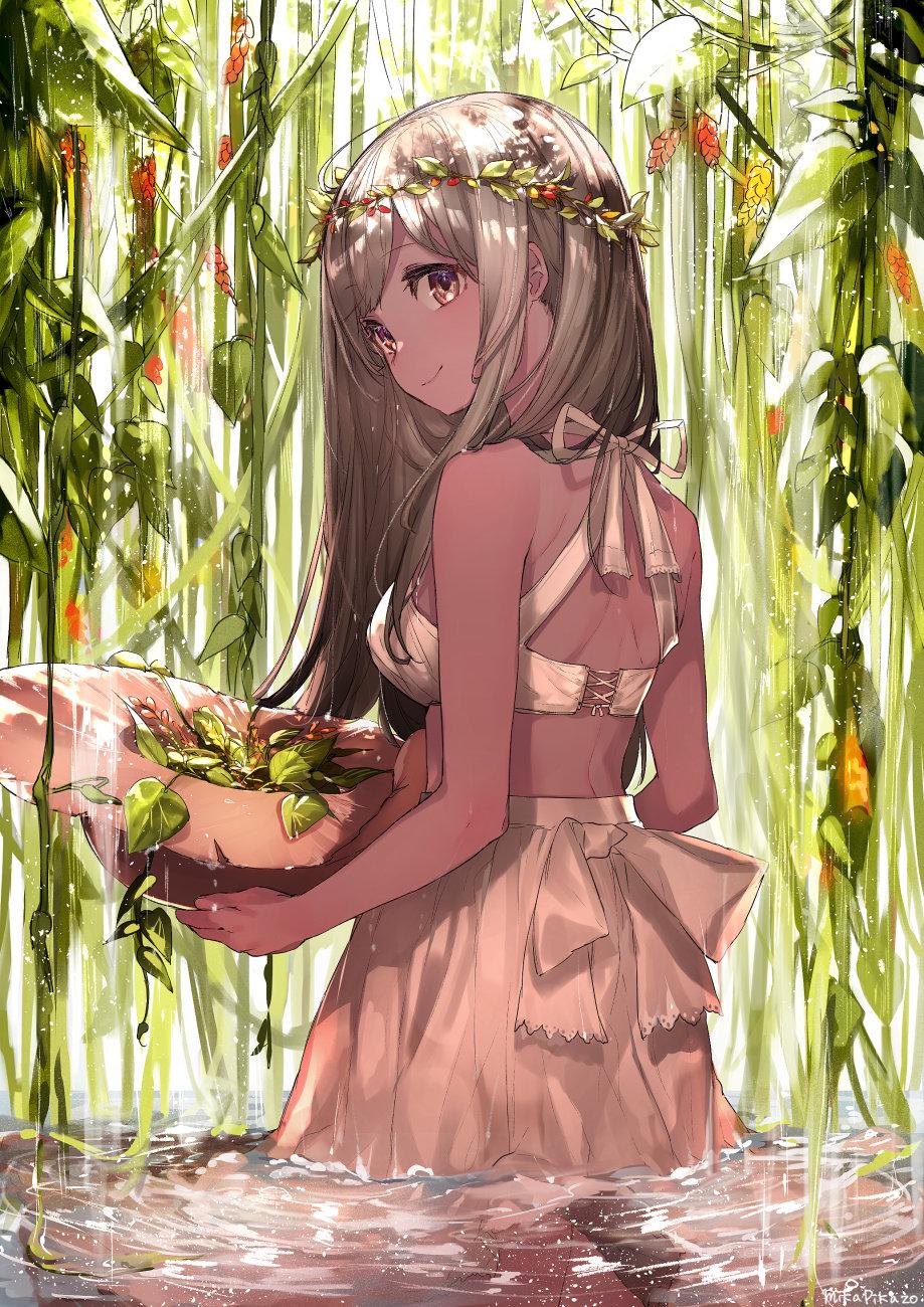 花冠の少女 - Mika Pikazo